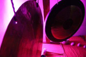 Gong meditacija ambijentalno svjetlo
